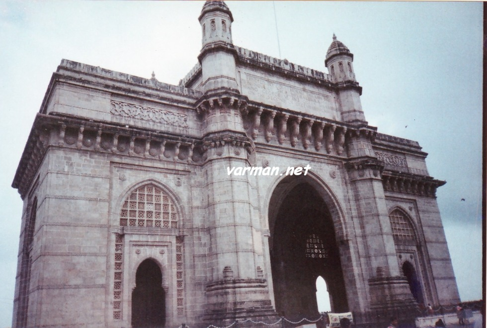 Mumbai - Gateway of India - Shot with analogue - Canon Prima Tele