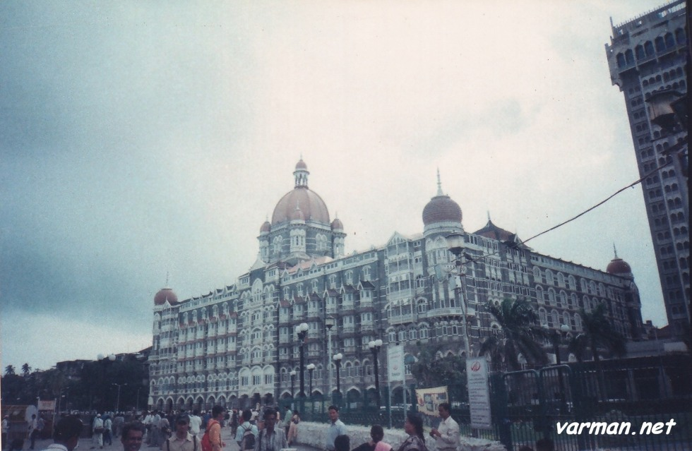 The Taj Mahal Palace Hotel - Shot with analogue: Canon Prima Tele